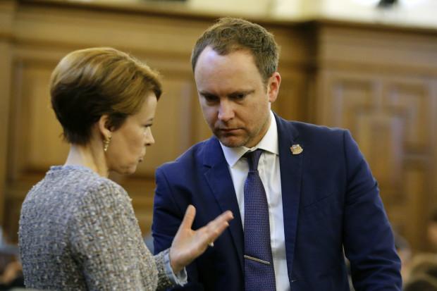 Jauno Koronavīrusu Izslimojis Vēl Viens Saeimas Deputāts
